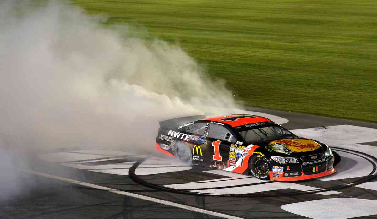 NASCAR Overtons 301 Race Live